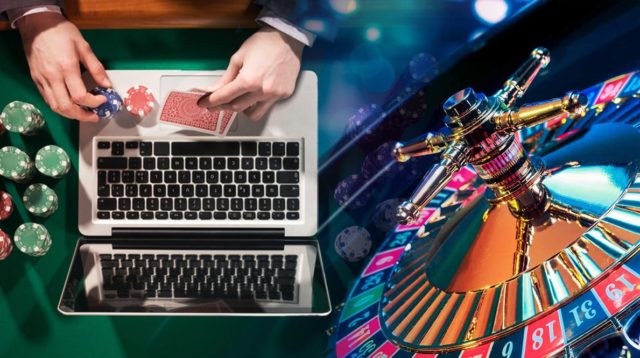 What are the basic differences between online and offline gambling sites?