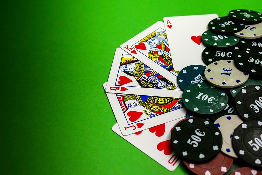 Tips For Successfully Gambling Online